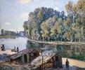 Hütten am Loing-Kanal im Sonnenlicht