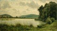 Flusslandschaft mit bewölktem Himmel