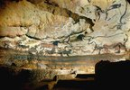 Höhle von Lascaux, Dordogne. Linke Wand des großen Saales der Stiere. Um 17.000 v.Chr
