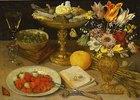 Stilleben mit Erdbeeren, einer Schale mit Zuckerwerk, einem Blumenstrauß und anderen Gegenständen