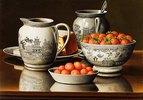 Stillleben mit Porzellan und Erdbeeren