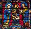 Mittleres Westfenster mit Kindheit und Leben Christi. Um 1145-1155. Detail: Die Darstellung Christi im Tempel