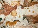 Höhle von Lascaux. Decke des Divertikels: Ein Pferd und drei Kühe. 17.000 v. Chr