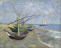 Fischerboote am Strand von Les Saintes-Maries-de-la-Mer. Arles, Juni