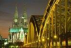 Dom und Hohenzollernbrücke in Köln, Nordrhein-Westfalen, Deutschland