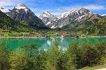 Blick über den Achensee nach Pertisau gegen Karwendelgebirge