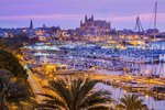 Hafen und Altstadt mit der Kathedrale La Seu im Dezember, Palma de Mallorca, Mallorca, Balearen, Spanien