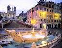 Piazza di Spagna, Fontana della Barcaccia, TrinitÍ dei Monti, Rom, Latium, Italien
