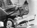 Bei einem grossen Luftsportfest in Los Angeles starteten diese beiden Maschinen zu einem Geschwindigkeitswettfliegen. Photographie