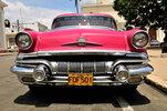Alter Pontiac am Parque Martí, Cienfuegos, Kuba