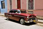 Chevrolet 210 BelAir in der Altstadt von Bayamo, Kuba