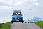 Blauer Citroen 2CV
