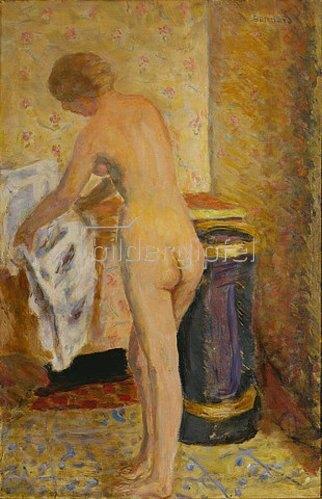 Pierre Bonnard: Stehender weiblicher Akt mit Handtuch. 1924.