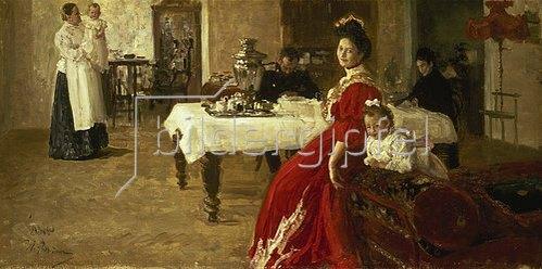Ilja Efimowitsch Repin: Tatiana, die Tochter des Künstlers, mit ihrer Familie in einem Innenraum.