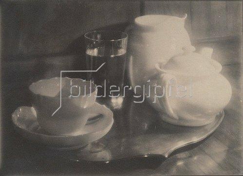 Heinrich Kühn: Teestilleben. 1908-09