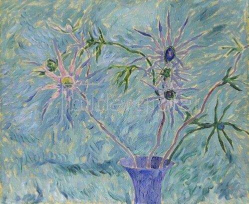 Walter Ophey: Blumen in blauer Vase. Um 1917