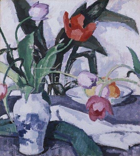 Samuel John Peploe: Rote und fliederfarbene Tulpen in einer Vase.