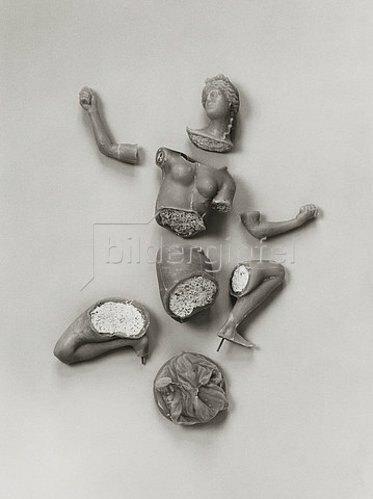 Antico (Pier Jacopo Alari Bonacolsi): Demonstrationsmodell des Bronzegusses nach der Technik des Antico:  Die Einzelteile des Gußmodells vor dem Zusammensetzen. (siehe auch Bildnummern 41495-41501)