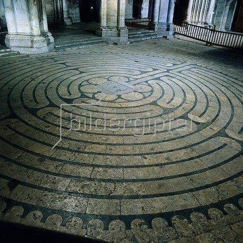 Labyrinth in der Kathedrale von Chartres. 1200.