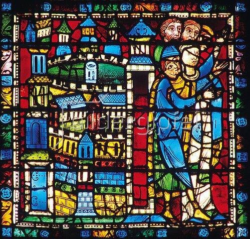 Französisch: Mittleres Westfenster mit Kindheit und Leben Christi. Um 1145-1155. Detail: Die Bevölkerung von Nazareth empfängt Jesus bei seine Rückkehr von der Flucht nach Ägypten.