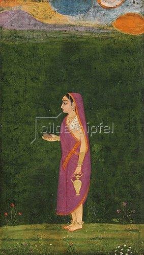 Indien: Bildnis einer Liebhaberin in einem rosafarbenen Sari mit orangefarbener Bordüre über einer weißen Bluse und Goldschmuck, einem Tilaka auf ihrer Stirn, eine Schale und ein Wassergefäß haltend, umgeben von Blumen und über ihr ein Abendhimmel.