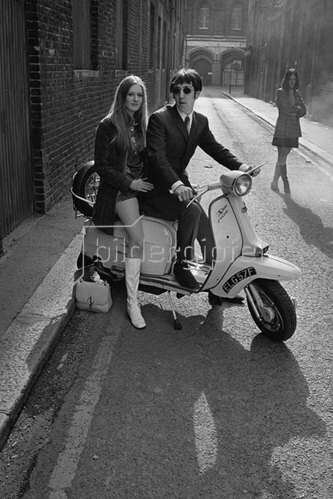 Horst A. Friedrichs: 21st century Mods, Phil and Steph, London 2001