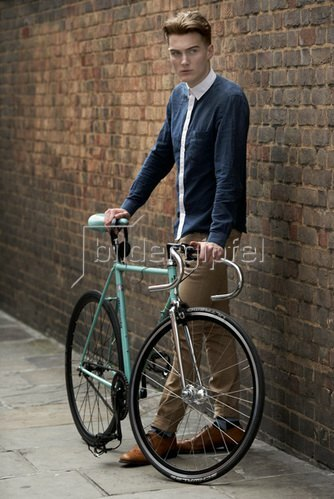 Horst A. Friedrichs: Cycle Style.<p>Jesse rides a Bianchi