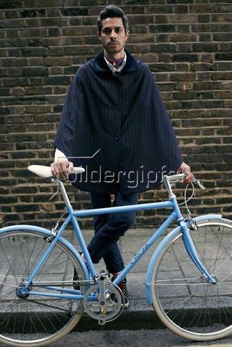 Horst A. Friedrichs: Cycle Style.<p>Otto rides Viva Bellissimo.