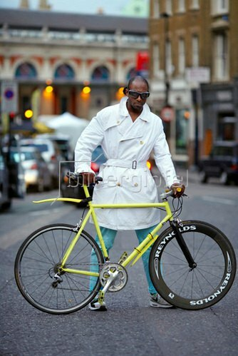 Horst A. Friedrichs: Cycle Style.<p>Para rides a Dave Yates 853.