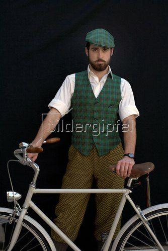 Horst A. Friedrichs: Cycle Style.<p> Alex rides an Abici Granturismo.
