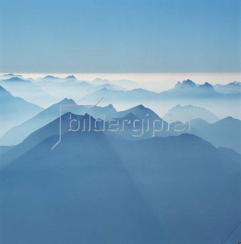 Blick von der Zugspitze gegen Österreich und Schweizer Alpen, Bayerische Alpen, Oberbayern, Bayern, Deutschland
