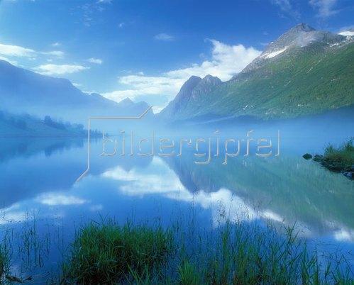 Oldenvatnet See, Jostedalsbreen, Westnorwegen, Norwegen