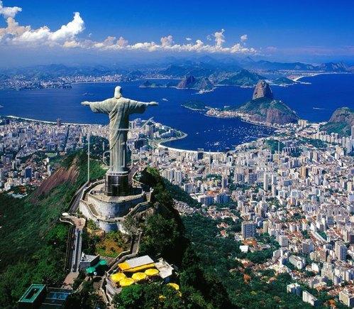 Blick auf Corcovado mit Christusstatue und Zuckerhut, Rio de Janeiro, Brasilien