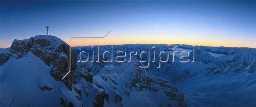 Sonnenaufgang auf der Zugspitze, Oberbayern, Bayern, Deutschland