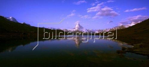 Blick vom Stellisee auf das Breithorn, Matterhorn und den Dent Blanche