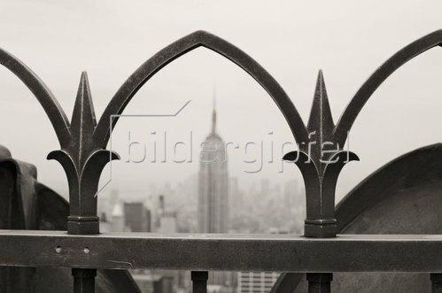Blick vom Rockefeller Center zum Empire State Building, Manhattan, New York City, New York, USA