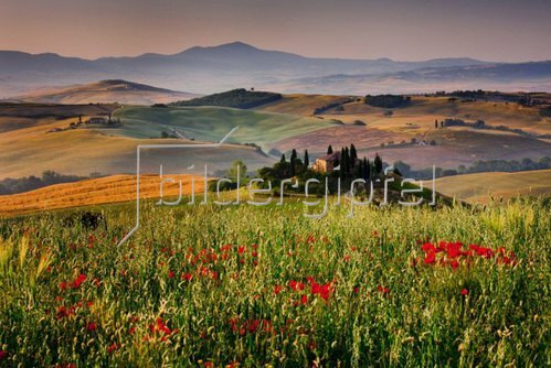 Typisches Landhaus bei San Quirico d'Orcia, Provinz Siena, Toskana, Italien