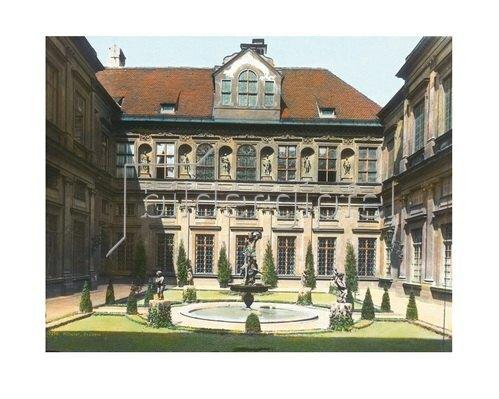 Bayern um 1900 in Farbe: München. Grottenhof der königlichen Residenz. Deutschland. Handkoloriertes Glasdiapositiv um 1900.
