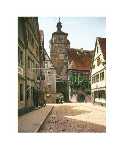 Bayern um 1900 in Farbe: Rothenburg ob der Tauber. Bayern. Der Weiße Turm der Stadtbefestigung. Handkoloriertes Glasdiapositiv um 1905.