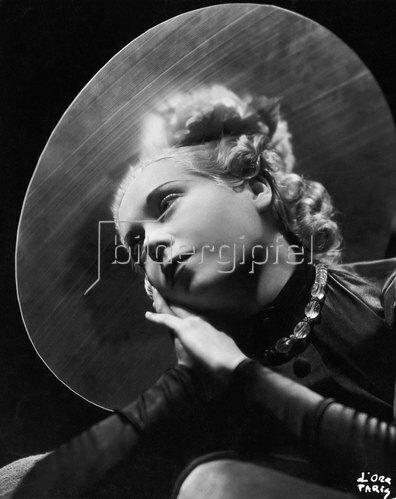 Madame d' Ora: Großer Hut, Modell Agnés