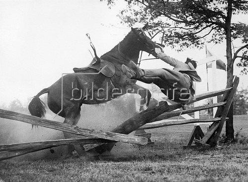 F.B. Wilmhurst bei der Hillburn Horse Show. New York. Photographie. Um 1920/30.