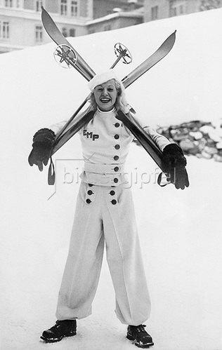 Neueste Skimode aus St. Moritz. Fotografie, 1935