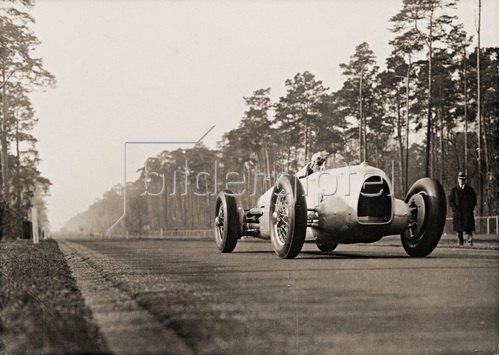 Rekordversuch auf der Avus, Photographie. 1934