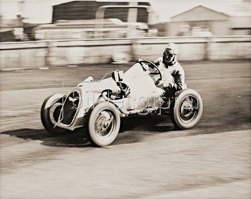 Neuer Rekord für Midget-Autos. England, 1935