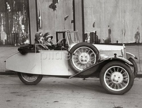 Neues dreirädriges Luxusauto von B.S.A. London. Photographie 27.11.1929.