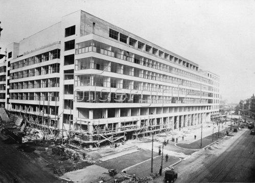 Der Ausstellungspalast in Prag. 1925 - 1928 von den Architekten Oldrych Tyl und Josef Fuchs gebaut.