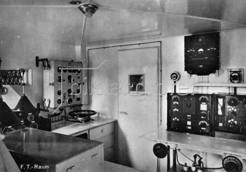 Innenansicht des Zeppelin Luftschiffes LZ 127. Photographie. 1928