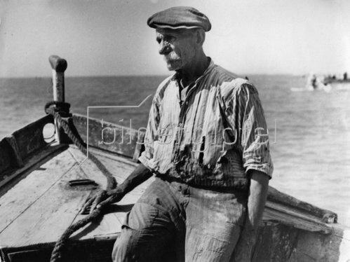 Der alte Mann und das Meer. Photographie. Um 1930