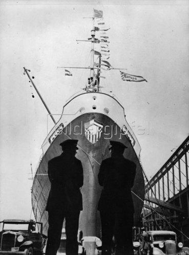 Dampfschiff Europa im Hafen von New York. Amerika. Photographie. Um 1936.