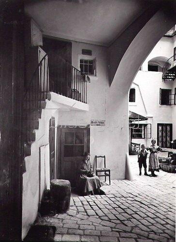 Hof in der Wächtergasse, Wien, Österreich. Photographie. Um 1890.